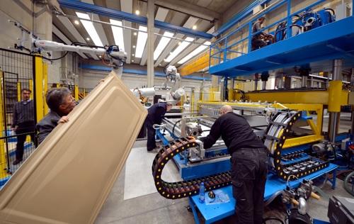 Pannelli termoformati per case d emergenza - Mobili ikea modificati ...