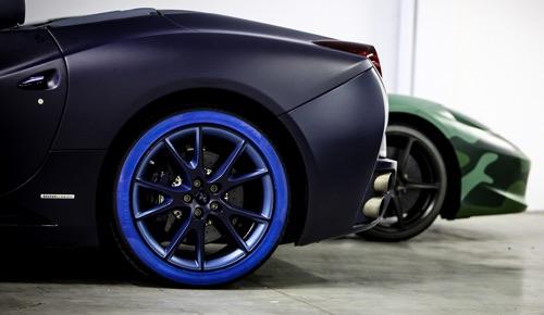 Pneumatico in tinta vettura for Garage ad pneu