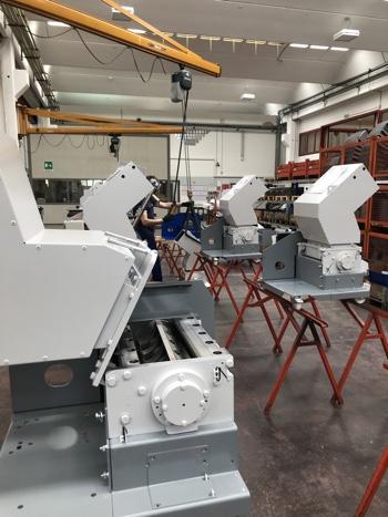 CMG lavoro fabbrica