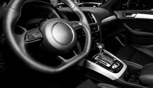 plastiche nere auto