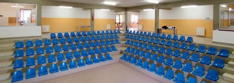 Sedli plastica riciclata revet scuola Ungaretti