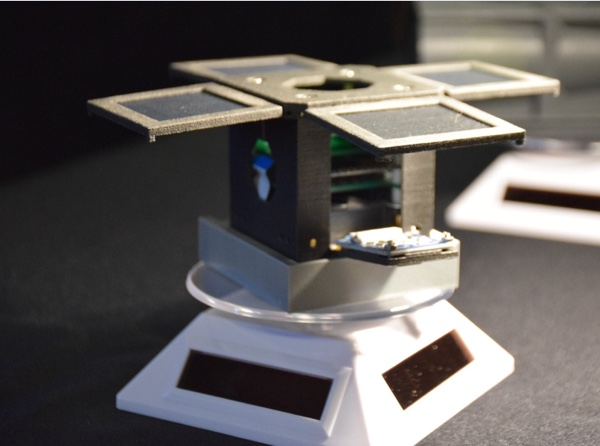 nanosatellite Mini-Cubes