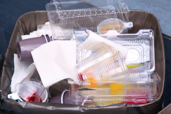 rifiuti vaschette PET